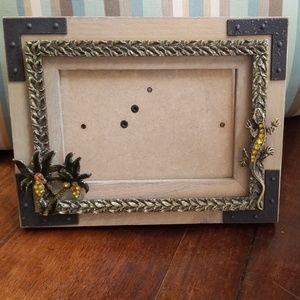 Unique wood 7 by 9 embellished palm tree frame